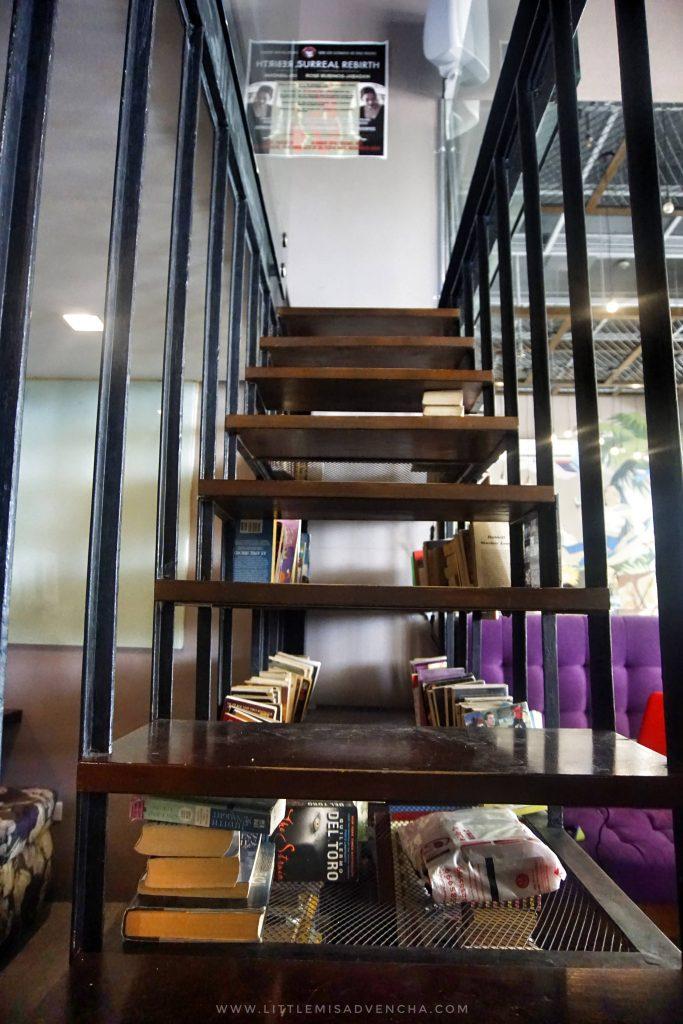 Book Latte Cafe